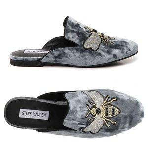 🆕NIB Embroidered Bee Steve Madden Velvet Mule